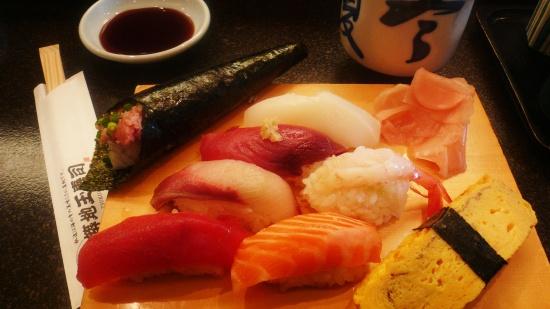 Varios tipos de sushi